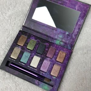 BOGO Urban Decay On the Run Mini eyeshadow palette